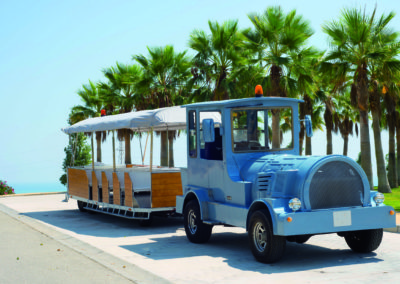043-Free shuttle to the beach